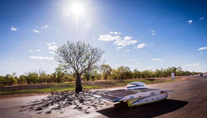 Stewal sponsort Punch Powertrain Solar Team